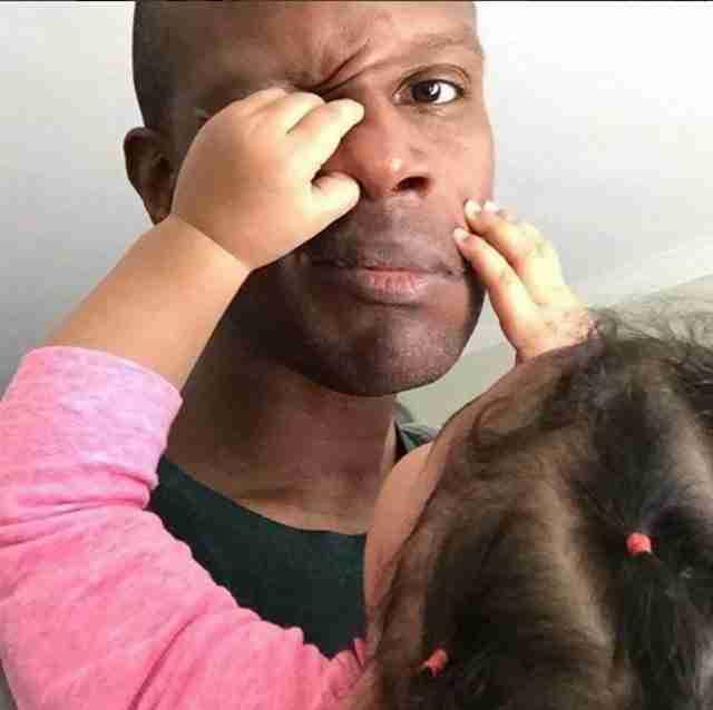 """Επειδή τίποτα δεν είναι πιο """"αρρενωπό"""" από το να είσαι καλός μπαμπάς!!"""