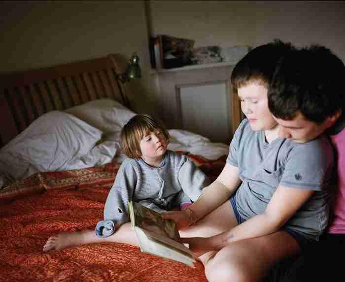 Φωτογραφίζει την κόρη της με σύνδρομο Down για να αποδείξει ότι δεν διαφέρει σε τίποτα από τα άλλα παιδιά