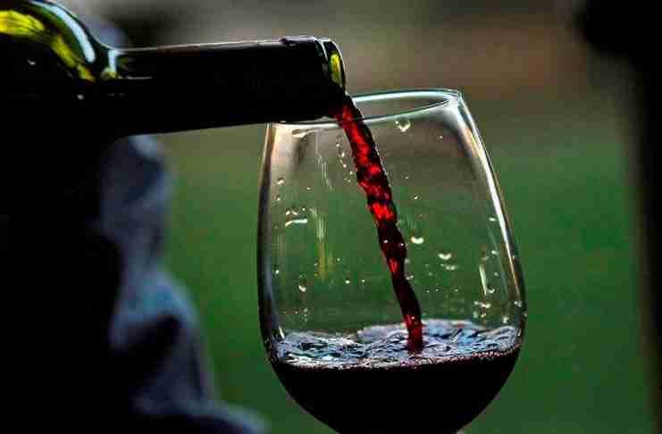 Έρευνα δείχνει ότι ένα ποτήρι κόκκινο κρασί ισοδυναμεί με μία ώρα στο Γυμναστήριο