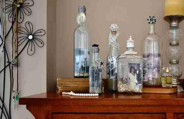 Αντί να πετάξει τα άδεια γυάλινα μπουκάλια έφτιαξε κάτι που όλοι θα θέλαμε να έχουμε..