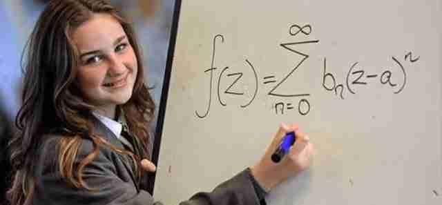 12χρονη Ρομά που ζει στη Βρετανία έχει υψηλότερο IQ από τον Χόκινγκ και τον Αϊνστάιν