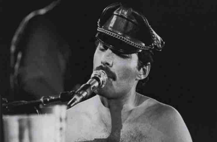 """Ο Freddie Mercury ερμηνεύει το """"We Are The Champions"""" χωρίς μουσική! Εκπληκτικό!"""