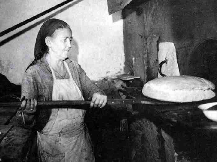 Η ιστορία του ψωμιού στην Ελλάδα μέσα από σπάνιες φωτογραφίες
