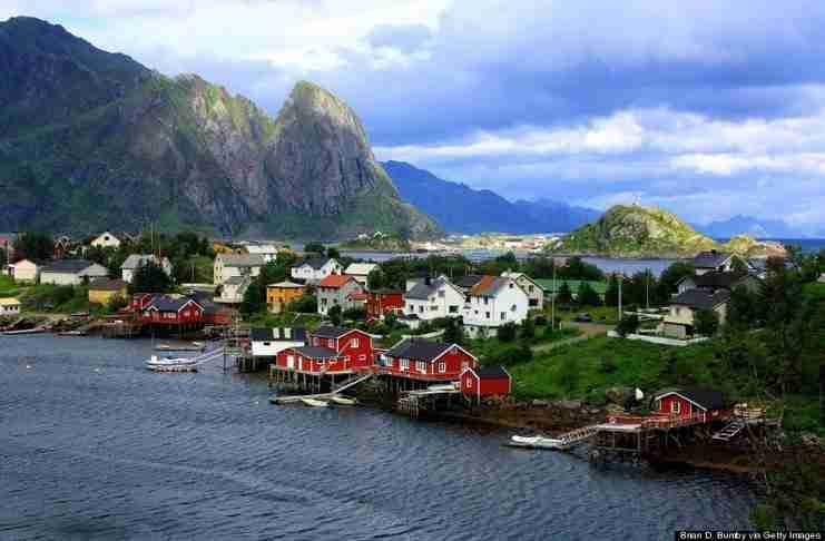 Σε αυτή τη πόλη της Νορβηγίας συμβαίνει κάτι μαγικό μόλις πέσει το σκοτάδι