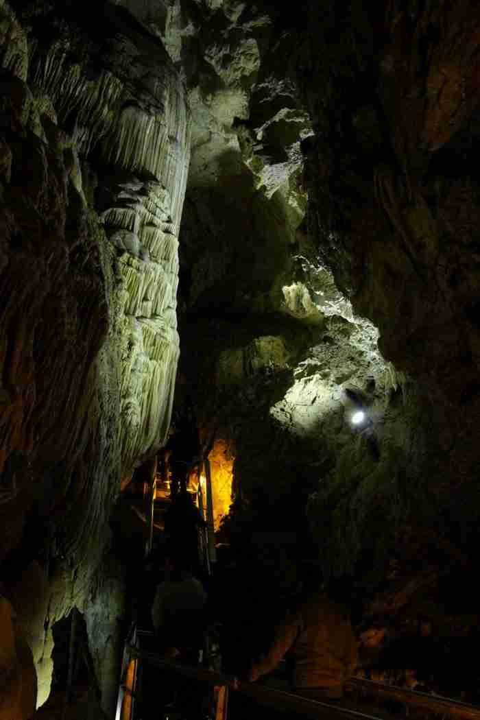 Σπήλαιο Λιμνών: Ένας μυστικός παράδεισος ανυπέρβλητης ομορφιάς στην Αχαΐα