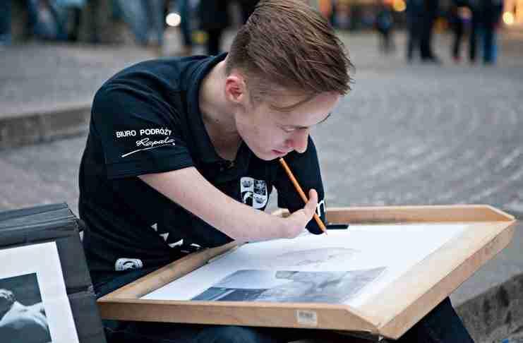 """Γεννήθηκε χωρίς χέρια, αλλά πρέπει να δείτε πόσο """"ζωντανοί"""" είναι οι πίνακες του.."""