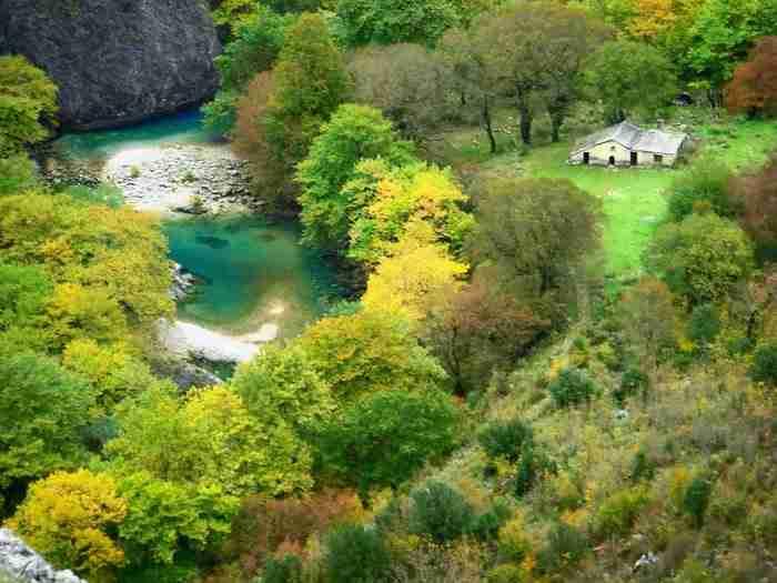 Ζαγοροχώρια: Σαράντα έξι πανέμορφα χωριά σκαρφαλωμένα στα βουνά των Ιωαννίνων