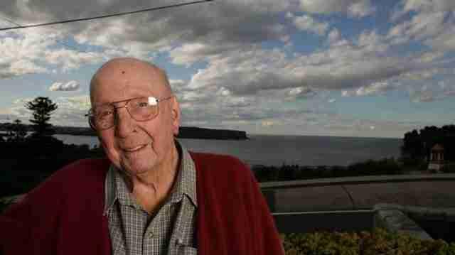 Αυτός ο παππούς απέτρεψε 160 αυτοκτονίες κάνοντας μια απλή ερώτηση..