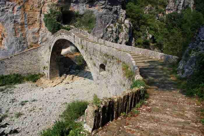 Τα 21 ωραιότερα γεφύρια της Ηπείρου που αντέχουν στο πέρασμα των χρόνων