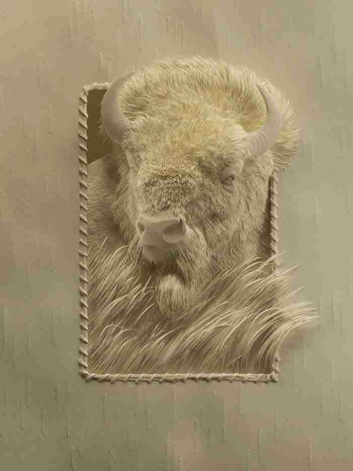 Καναδός καλλιτέχνης δημιουργεί εξωπραγματικά γλυπτά χρησιμοποιώντας μόνο χαρτί!