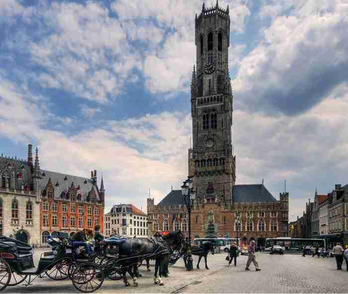 Μπριζ: Μια μεσαιωνική λιλιπούτεια πόλη με παραμυθένια ομορφιά!