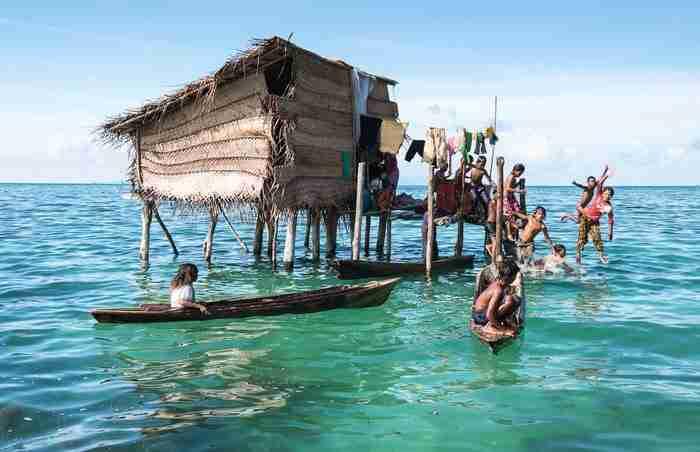 Οι τσιγγάνοι της Θάλασσας: Μια φυλή στο Βόρνεο που ζει στο δικό της μικρό παράδεισο