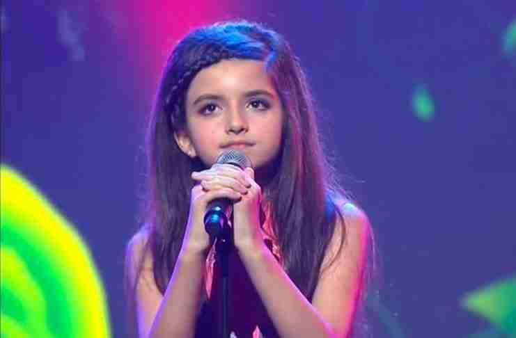 Είναι μόλις 9 ετών αλλά έχει συγκλονίσει τον πλανήτη με τη μαγική φωνή της!