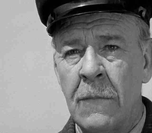 Λαυρέντης Διανέλλος. Ο ηθοποιός που λάτρευε να βλέπει τα τρένα να περνούν...