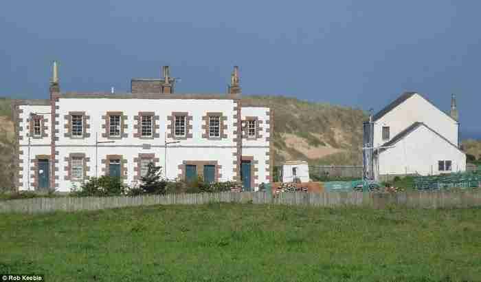 Μετέτρεψαν παλιούς φάρους σε μερικά από τα ωραιότερα σπίτια που έχετε δει!