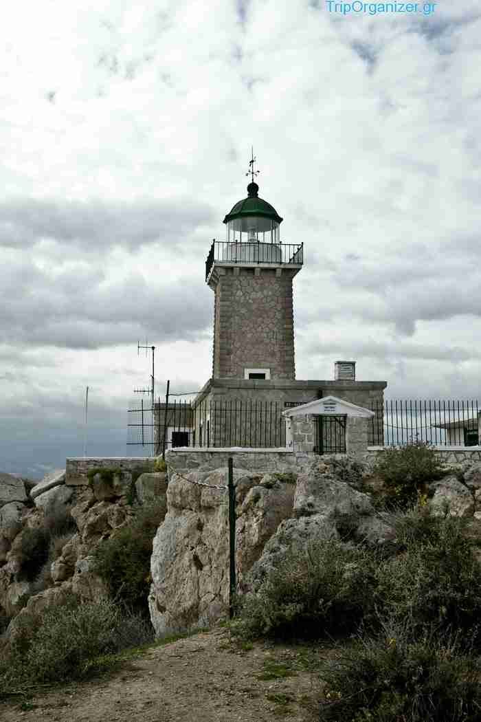 Φάρος Ηραίον: Το στολίδι του Κορινθιακού από ψηλά!