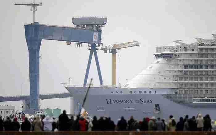 Ξεκίνησε τα ταξίδια του ο γίγαντας των θαλασσών, το μεγαλύτερο κρουαζιερόπλοιο στον κόσμου!