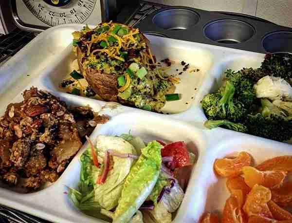 Συσσίτιο απόρων μεταμορφώθηκε σε εστιατόριο για να τρώνε οι άστεγοι με αξιοπρέπεια