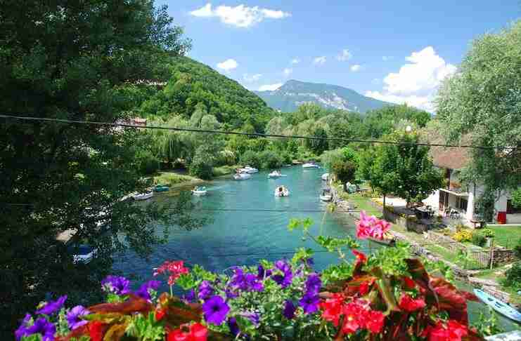 Chanaz: Ο παράδεισος έχει όνομα! Ένα μαγευτικό χωριό στις γαλλικές Άλπεις!