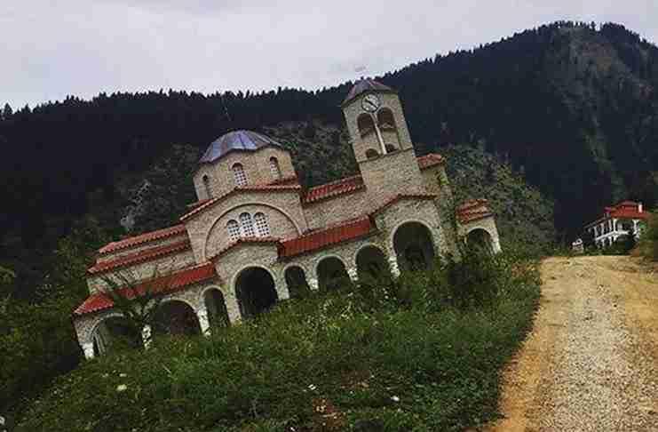 Ροποτό: Το χωριό - φάντασμα στα Τρίκαλα που δεν σταματάει να βουλιάζει