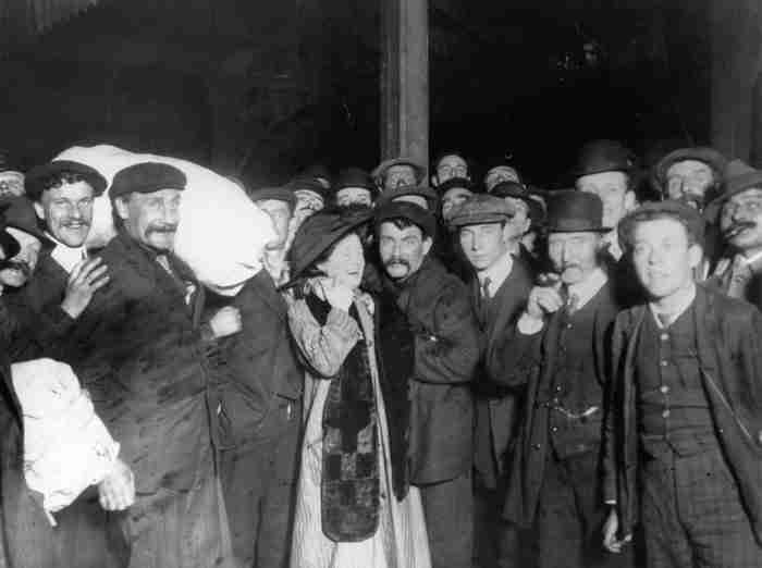 Τι συνέβη μετά τη βύθιση του Τιτανικού; Η απάντηση σε 26 στοιχειωμένες φωτογραφίες