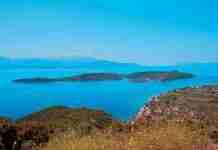 Τριζόνια: Το μοναδικό κατοικημένο νησί του Κορινθιακού που εκνεύρισε τον Ωνάση