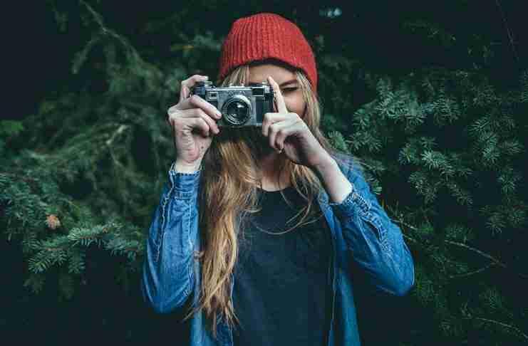 Έρευνα αποκαλύπτει ότι όσοι τραβάνε συνεχώς φωτογραφίες είναι πιο χαρούμενοι!