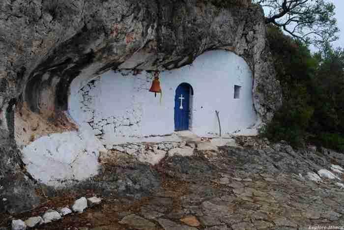Το εκκλησάκι στην Ιθάκη που δεν μοιάζει με κανένα από όσα έχετε δει μέχρι σήμερα
