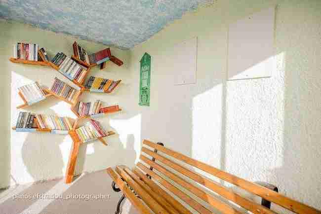 Η πρώτη στάση λεωφορείου - βιβλιοθήκη στην Ελλάδα βρίσκεται στη Θεσσαλονίκη!