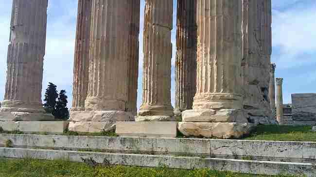 Στύλοι του Ολυμπίου Διός: Ο μεγαλύτερος ναός της αρχαιότητας. Πώς γκρεμίστηκαν οι περισσότερες από τις κολώνες