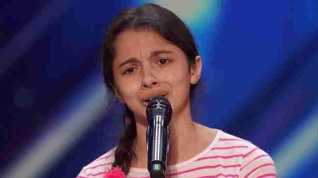 Οι κριτές δεν πίστευαν αυτό που μόλις συνέβη.. Απλά ακούστε αυτή τη 13χρονη διαιωνιζόμενη!
