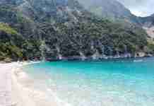 H γαλάζια λίμνη της Κύμης.. Μία από τις ωραιότερες παραλίες της Ελλάδας!