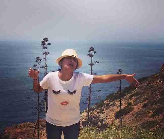 Πως είναι να κάνεις γαμήλιο ταξίδι στην Ελλάδα μόνη σου; Μια σύγχρονη τραγωδία
