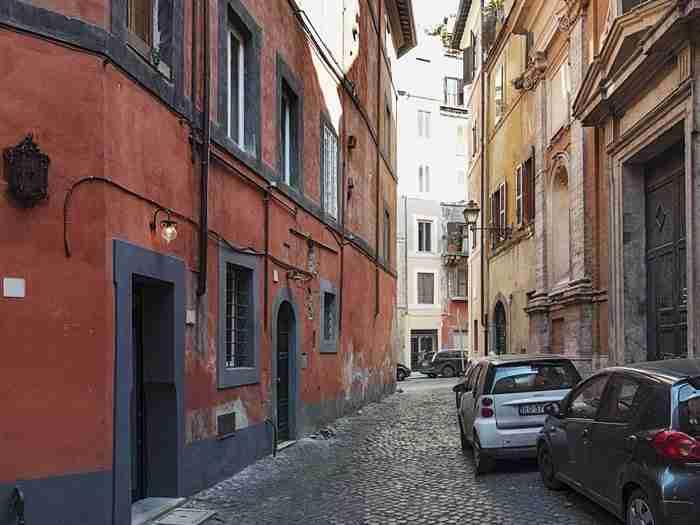 Δείτε πως μεταμόρφωσε ένας αρχιτέκτονας ένα διαμέρισμα μόλις 7 τετραγωνικών μέτρων!