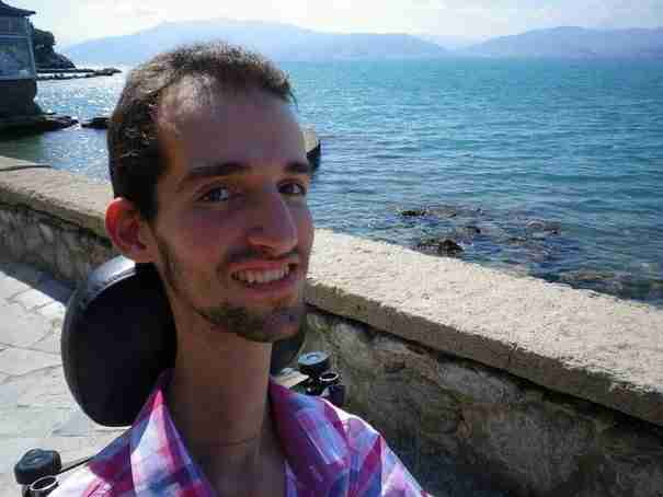 Στέλιος Κυμπουρόπουλος: Είμαι ένας νέος επιστήμονας με βαριά κινητική αναπηρία