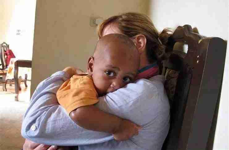 Η πρώτη Ελληνίδα που υιοθέτησε παιδί από την Αιθιοπία!