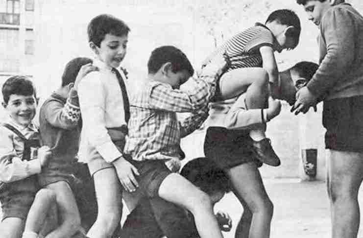 Πώς έπαιζαν τα παιδιά πριν το Ίντερνετ: Ένα νοσταλγικό φωτογραφικό αφιέρωμα