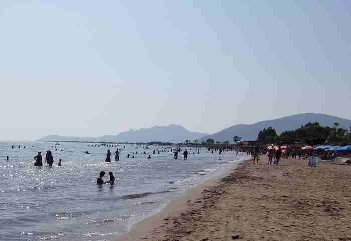 Η μεγαλύτερη παραλία στην Ελλάδα έχει μήκος 17 χιλιόμετρα και βρίσκεται στην Αιτωλοακαρνανία