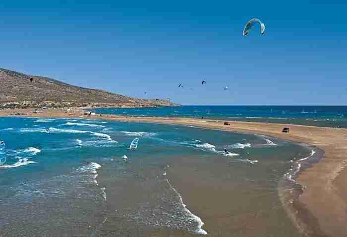 Σε πιο μέρος της Ελλάδας βρίσκεται αυτή η παράξενη δημιουργία της φύσης: Τον χειμώνα είναι νησί και το καλοκαίρι.. χερσόνησος!