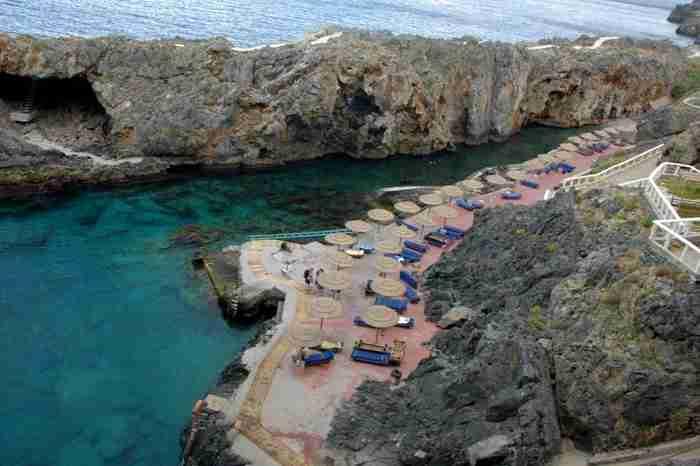 Κάραβος: Ένα καλά κρυμμένο… πειρατικό φιόρδ στην Κρήτη