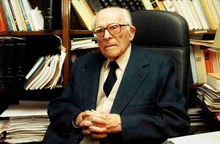 Εμμανουήλ Κριαράς: O έρωτας ζει και μετά από τα 104