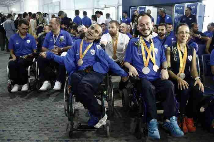 20 φωτογραφίες από την άφιξη της Παραολυμπιακής ομάδας που μάγεψε στο Ριο