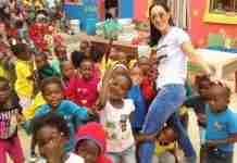 Η Κύπρια που ταξίδεψε στην Αφρική για να διδάξει εθελοντικά σε σχολεία φτωχών παιδιών