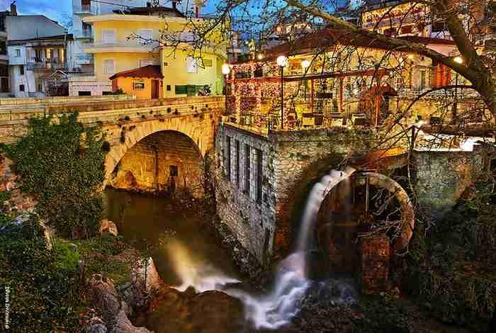 Η Ελληνική πόλη με τους νερόμυλους, τους καταρράκτες, τα πέτρινα γεφύρια και τα τεράστια αιωνόβια πλατάνια. Παραμυθένια!