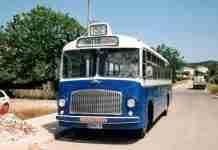 Ένα κουκλίστικο λεωφορείο του 1958 κυκλοφορεί ξανά στην Αθήνα