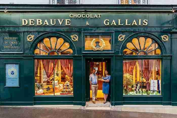 Η ασύλληπτη ομορφιά του Παρισιού μέσα από τις ωραιότερες βιτρίνες του!