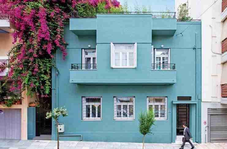 Γιατί κοντοστέκονται όλοι μπροστά σε αυτό το σπίτι στο Παγκράτι;