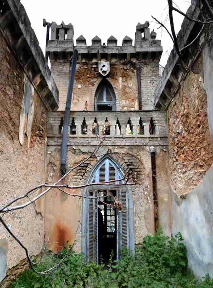 Το μοναδικό νεογοτθικό κτίριο της Αθήνας βρίσκεται στην Πατησίων