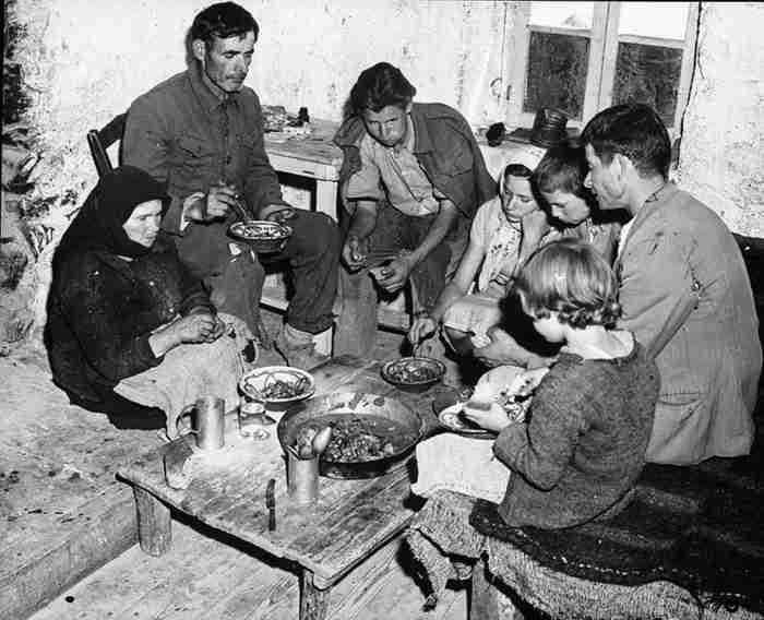 20 νοσταλγικές φωτογραφίες της παλιάς Ελλάδας στη χόβολη