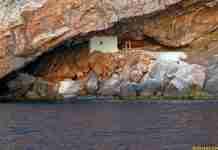Ένα πανέμορφο Ελληνικό εκκλησάκι στη λίστα με τους 10 καλύτερους ναούς του κόσμου μέσα σε σπηλιά.